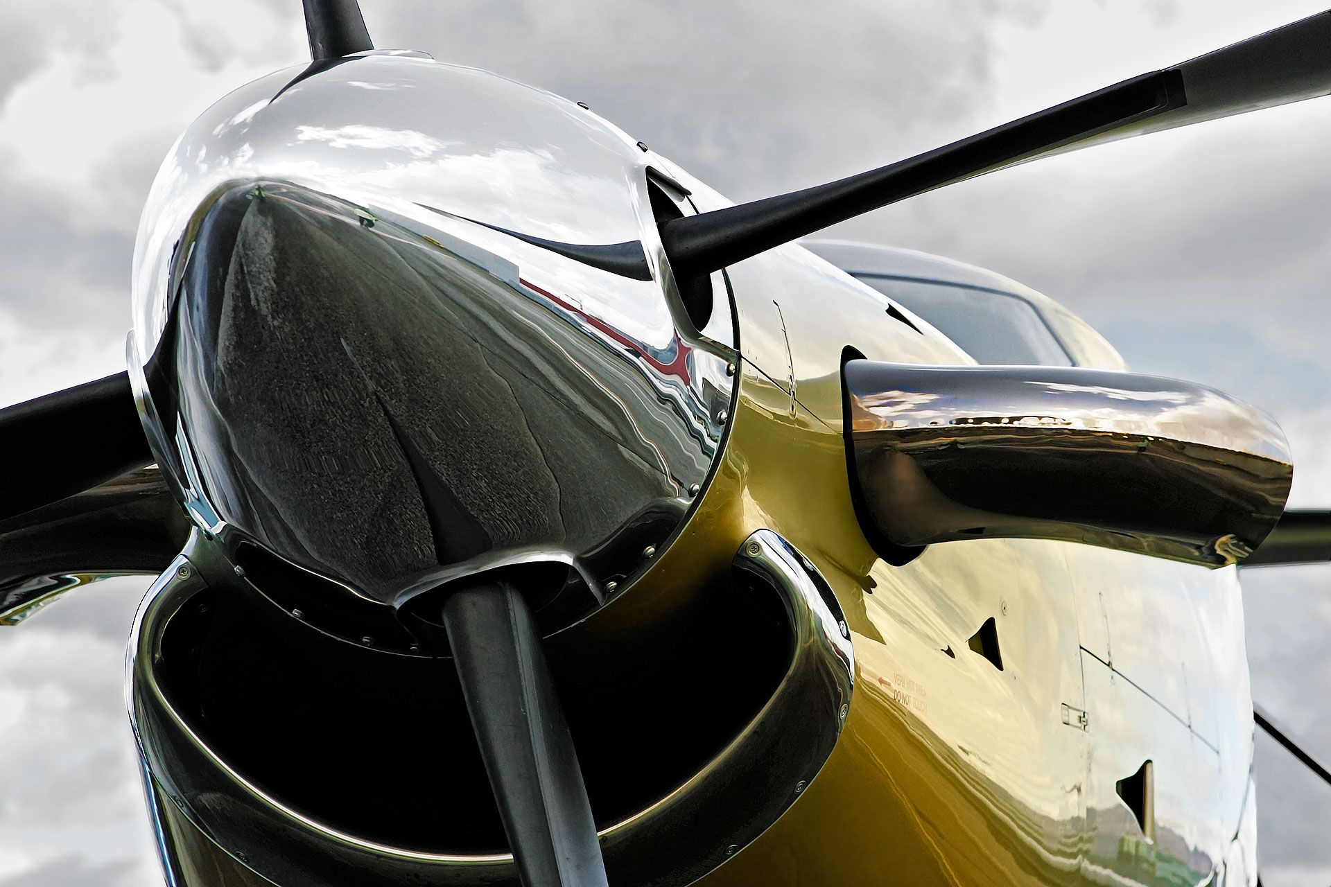 Wings & Bridges Pilatus PC-12 Nose